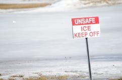 Niebezpieczny lód - utrzymanie Z znaka Zdjęcia Royalty Free