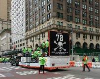 Niebezpiecznych Odpadów Laborers zjednoczenia, azbest, prowadzenie, święto pracy parada, NYC, NY, usa zdjęcia stock