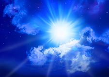 niebiański nocnego nieba przestrzeni słońce