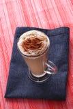 niebieska cappucino latte czerwone kubki Obraz Royalty Free