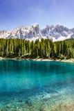 niebieska góra lake obraz royalty free