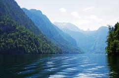 niebieska góra lake Zdjęcia Stock