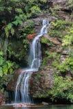 niebieska góry wodospadu Fotografia Stock
