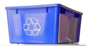 niebieska recyklingu bin Obrazy Stock