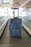 niebieska walizka Obrazy Royalty Free