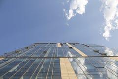 niebieski budynku nowoczesnego niebo Obrazy Stock