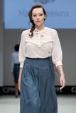 niebieski fotografa mody flash pokaz odcień Kobieta wizerunek i styl Fotografia Stock
