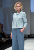 niebieski fotografa mody flash pokaz odcień Kobieta wizerunek i styl Zdjęcia Stock