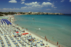 niebieski na plaży morza niebo białe Zdjęcia Royalty Free