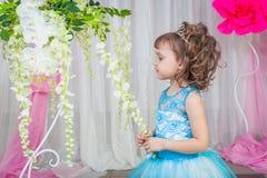 niebieski smokingowa mała dziewczynka Obraz Royalty Free