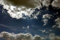 niebieski zachmurzone niebo Zdjęcie Royalty Free