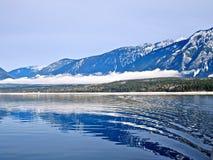 niebieskie jeziorne góry Zdjęcia Royalty Free