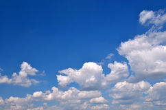 Niebieskie niebo. Obraz Royalty Free