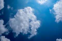niebieskie niebo białe chmury Obraz Stock