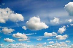 niebieskie niebo białe chmury Fotografia Stock