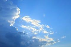 Niebieskie niebo chmury, niebieskie niebo z chmurami Obraz Stock