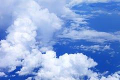Niebieskie niebo chmury, niebieskie niebo z chmurami Zdjęcia Stock