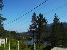 Niebieskie niebo drut Fotografia Royalty Free