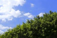 Niebieskie niebo i biel chmura Obrazy Royalty Free