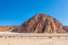Niebieskie Niebo i góry w Synaj pustyni Obraz Stock