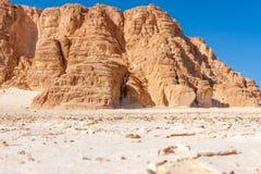 Niebieskie Niebo i góry w Synaj pustyni Zdjęcie Royalty Free