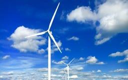 Niebieskie niebo i wiatraczki Obrazy Stock