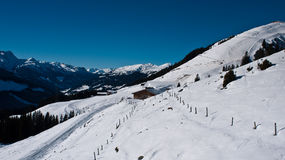 Niebieskie niebo nad Alps Zdjęcia Stock