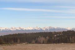 Niebieskie niebo nad góry Zdjęcia Royalty Free