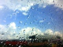 Niebieskie niebo po deszczu Zdjęcia Royalty Free