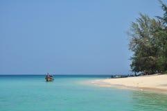 Niebieskie niebo przy Andaman morzem Zdjęcie Royalty Free