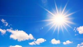 niebieskie niebo słońce jasno obrazy stock