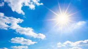 niebieskie niebo słońce jasno zdjęcie stock