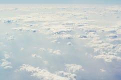 Niebieskie niebo z chmurami górne warstwy atmosfera Fotografia Royalty Free