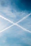 Niebieskie Niebo z, chmury i krzyż w niebie Obrazy Royalty Free