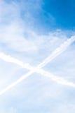 Niebieskie Niebo z, chmury i krzyż w niebie Zdjęcia Stock