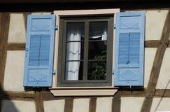 niebieskie okiennice Zdjęcie Royalty Free