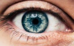 niebieskie oko strzelanina ludzka makro- Obrazy Royalty Free