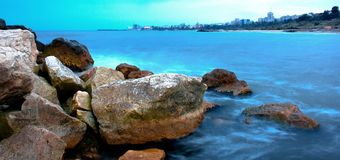 niebieskie skały morskie Fotografia Royalty Free