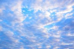 Niebieskiego nieba i chmur tło 171216 0003 Obraz Stock