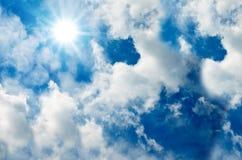 niebieskiego nieba słońce Obrazy Royalty Free
