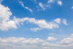Niebieskiego nieba tło Obrazy Royalty Free