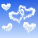 Serce kształtować chmury Zdjęcia Royalty Free