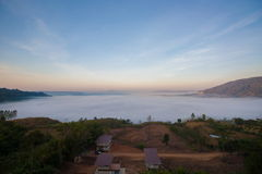 niebla ฺBeautiful del mar en tiempo de mañana Fotografía de archivo libre de regalías