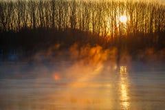 Niebla de la mañana sobre el río de la primavera Rusia central, Don Fotografía de archivo libre de regalías