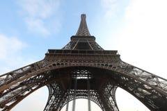 Niebla de la torre Eiffel Fotos de archivo libres de regalías