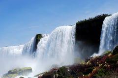 Niebla de Niagara Falls en Nueva York, los E.E.U.U. Foto de archivo