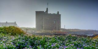 Niebla del mar en el castillo de Portencross Foto de archivo