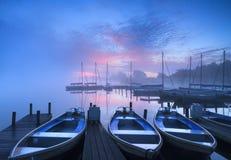 Niebla del puerto deportivo Fotos de archivo libres de regalías