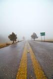 Niebla en el camino Fotografía de archivo libre de regalías