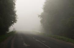 Niebla en el camino Imagen de archivo libre de regalías